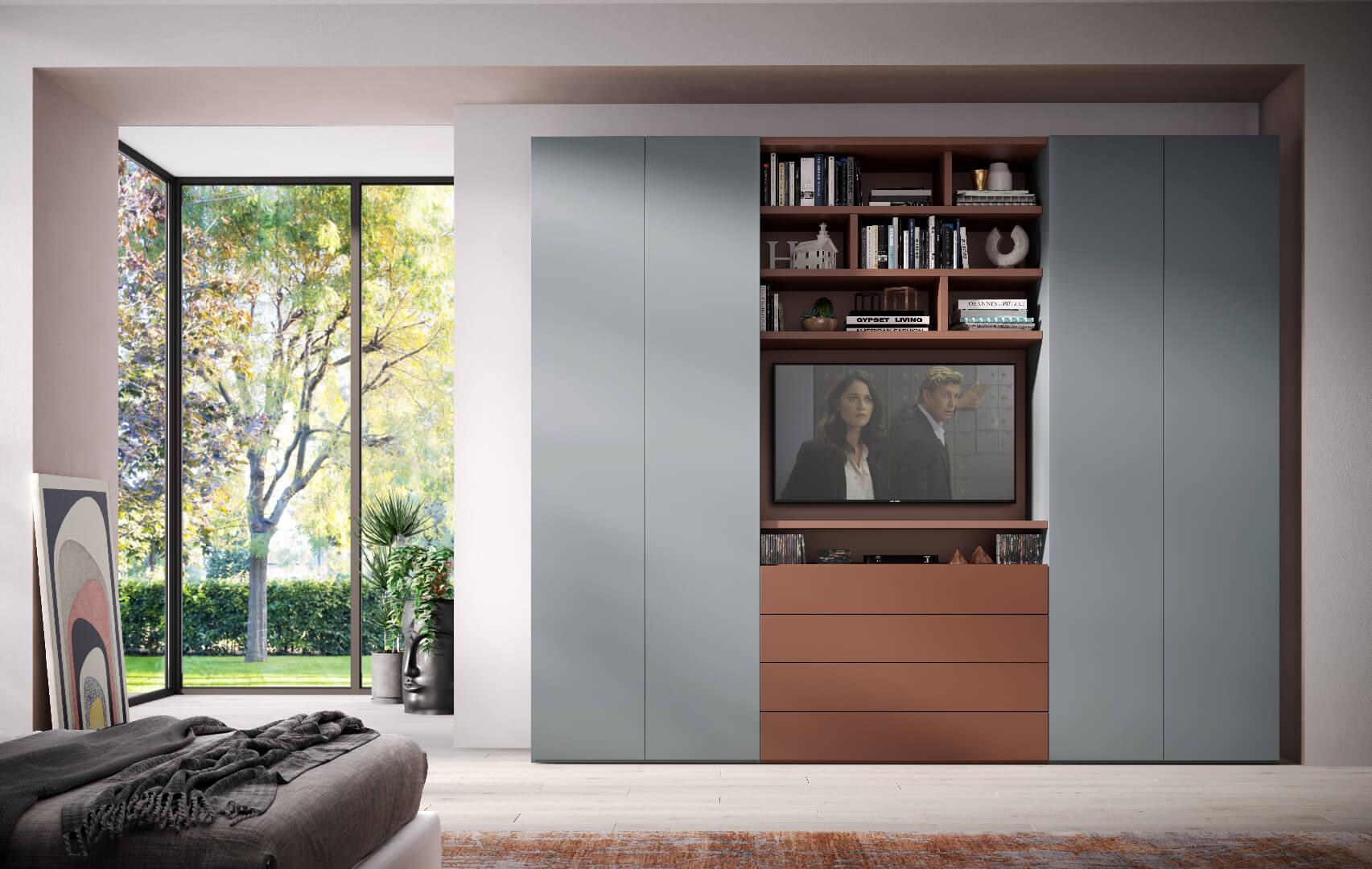 Collezione Componibile_Componibile/05_ Composizione a 4 ante push-pull. Possibilità di inserire ripiani libreria e specchiera TV. Dotata di cassettiera a vista. Ideale per arredare uno spazio aperto e comunicante con la zona notte. In foto: questa soluzione è personalizzata in laccato RAL: grigio (RAL 7046) e rame (RAL 8002).