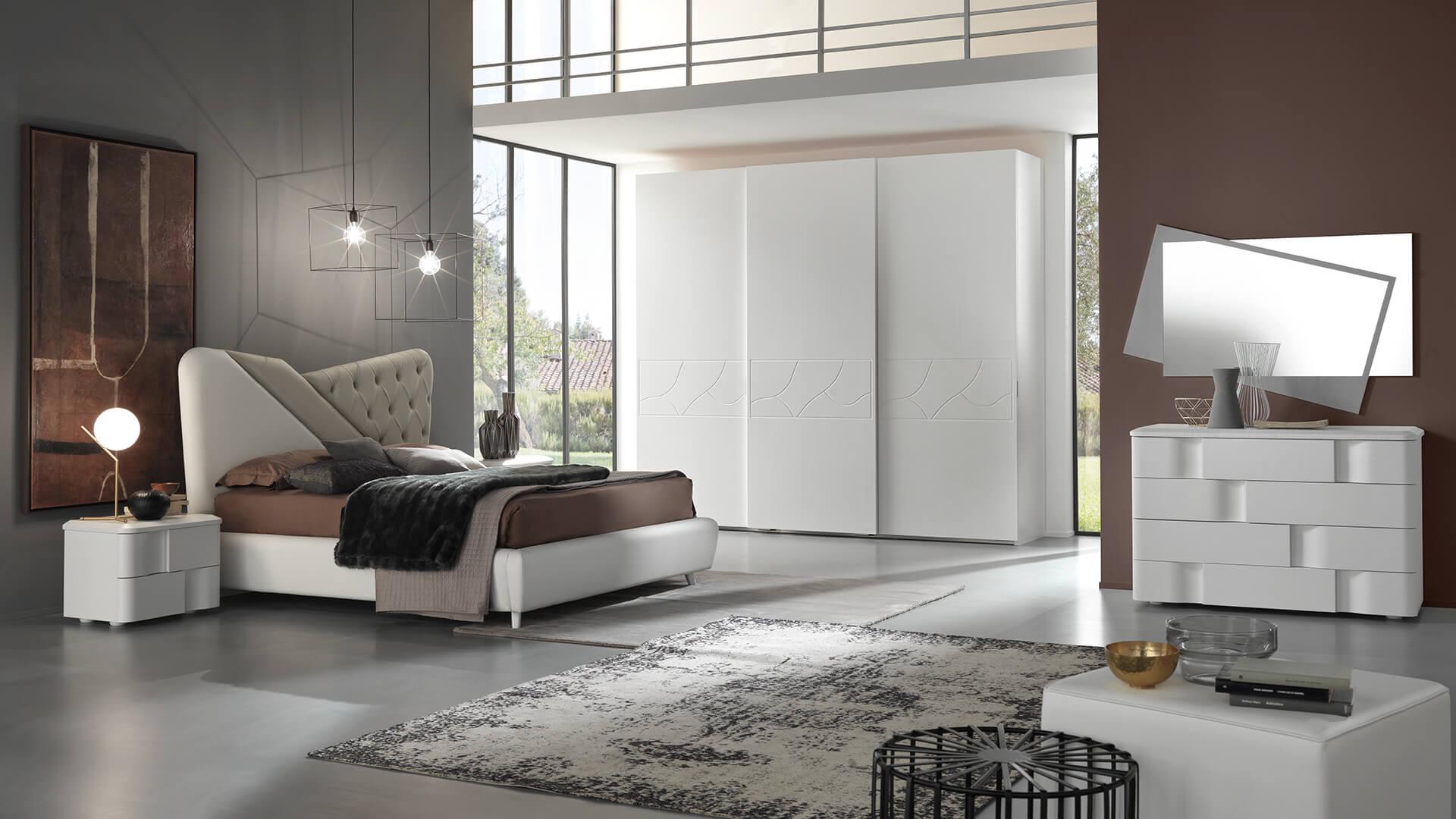 Collezione Armadi_modello componibile a 3 ante_finitura in legno bianco impiallaciato con elegante incisione a cornice come modello Kim